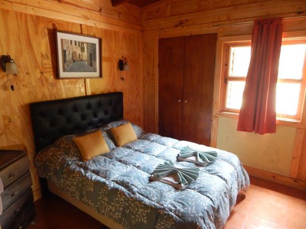 Hotel Pictures: Cabañas Monte Chañares, Malagueño