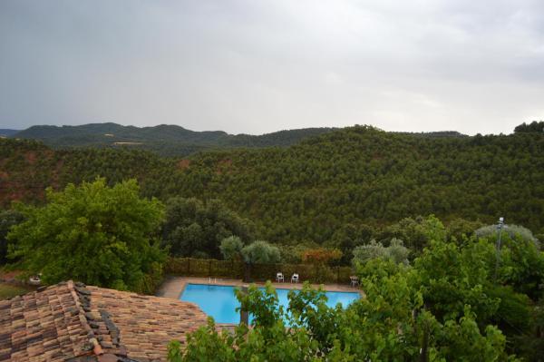 Hotel Pictures: Masia Massanes, La Baronia de Rialb