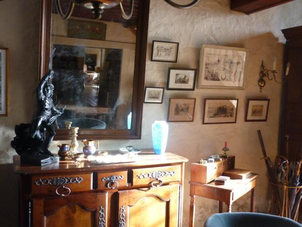 Hotel Pictures: Guesthouse Logis du Ranquinet, Fontenay-le-Comte