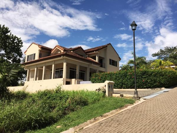 Hotel Pictures: Ocean View Luxury House in Costa Esterillos Costa Rica, Esterillos Este