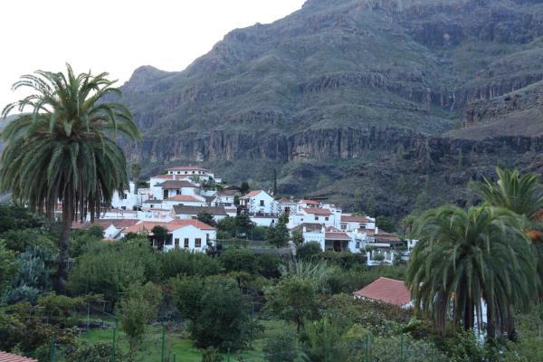 Hotel Pictures: Apartamentos Rurales Reyes, Fátaga