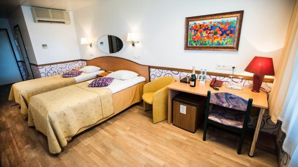 Hotel Pictures: Susi Hotel, Tallinn