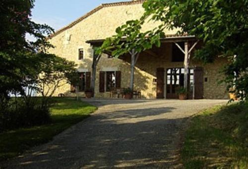 Hotel Pictures: , Castelnau-d'Arbieu