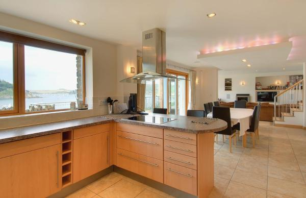 Hotel Pictures: Underbecks, South Sands, Salcombe