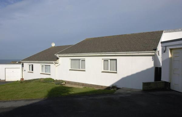 Hotel Pictures: 12 Atlantic Close, Bude, Bude