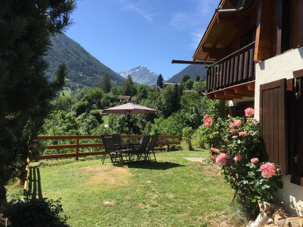 Hotel Pictures: Chalet Le Raccard, Saclentse