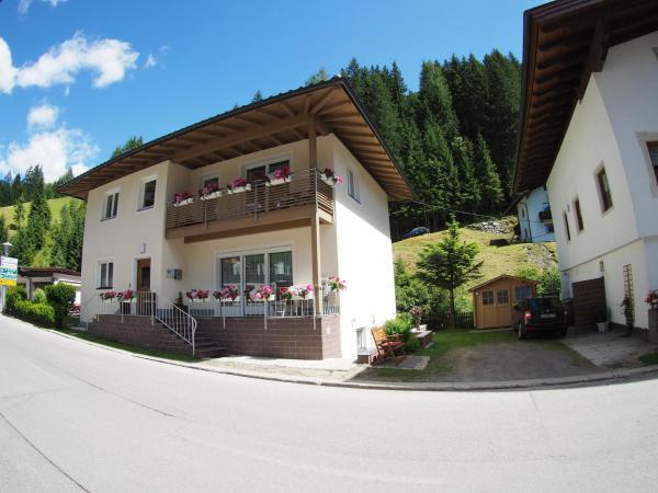 Fotos do Hotel: Ferienwohnung Dolomitenheim, Außervillgraten