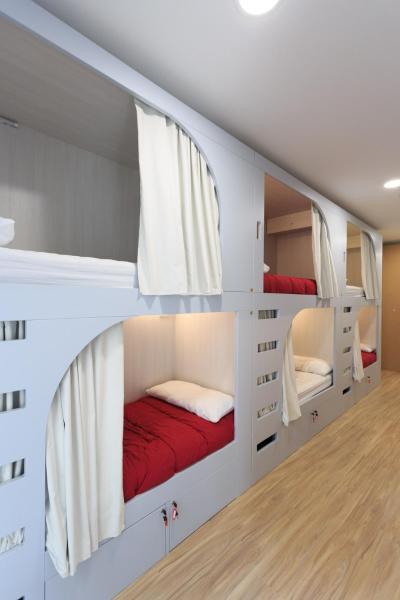 Hotel Pictures: Albergue de Pamplona-Iruñako, Pamplona