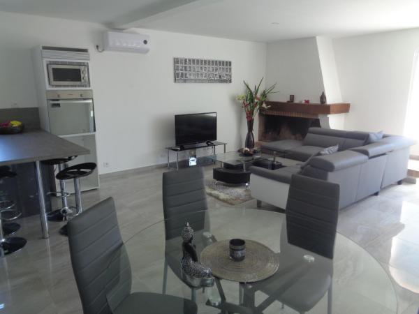 Hotel Pictures: Residence du Midi, Cazaubon