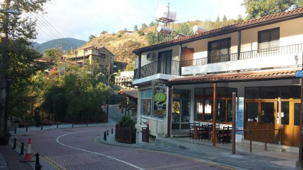 Hotel Pictures: PhDemosthenous Rooms Kakopetria, Kakopetria
