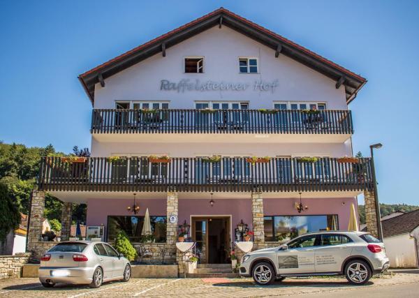 Hotelbilleder: Raffelsteiner Hof, Mörnsheim