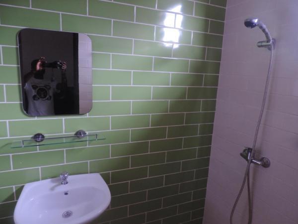 Hotel Pictures: Villa 41 - elivan, Grand-Bassam