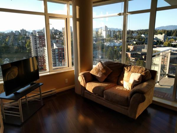 Hotel Pictures: Azure Plaza Downtown New Westminster, New Westminster