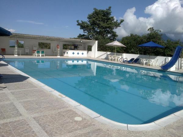 Hotel Pictures: Hotel Villa Amparo, Chinauta