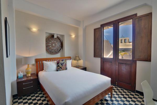 Queen Room with Juliet Balcony