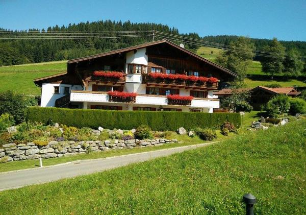 Foto Hotel: Apartments Haus am Anger - Romantik-Beauty-Wellness, Jungholz