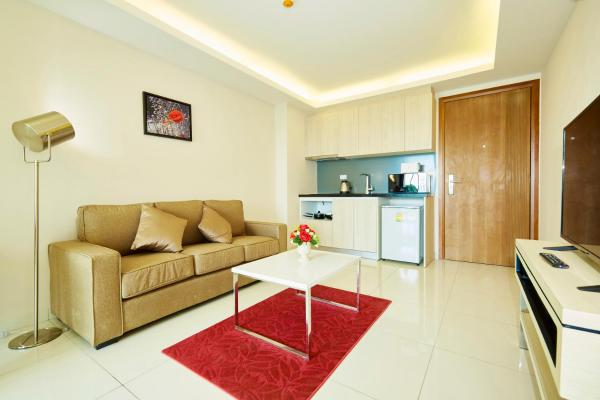 One-Bedroom Apartment 504