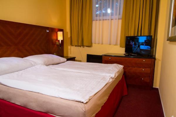 Hotel Pictures: Jílovský Hotýlek, Jílové u Prahy