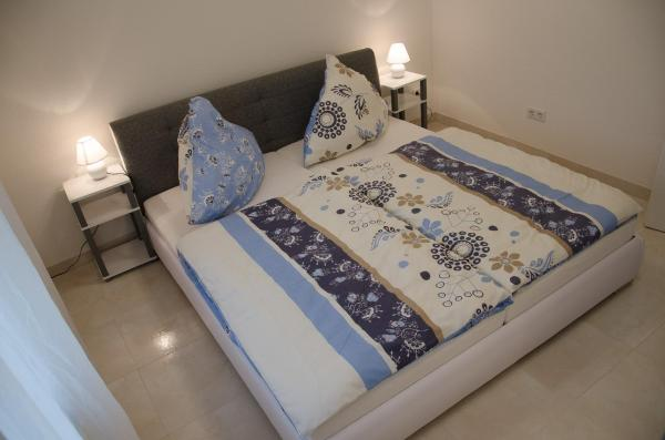Hotel Pictures: Das Orient Luxus Apartment, Kostheim