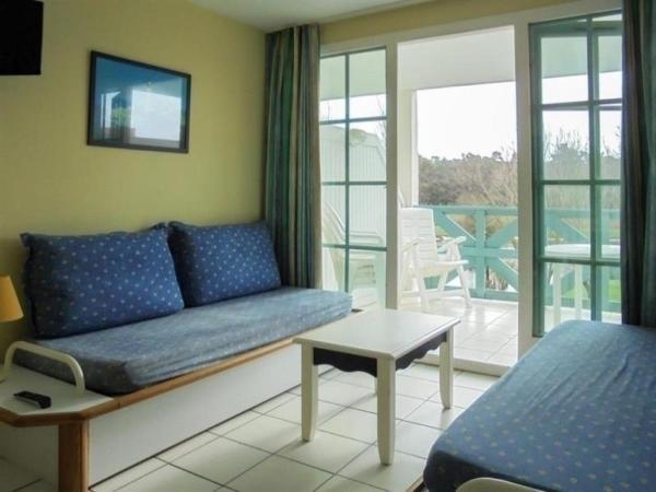 Hotel Pictures: Apartment Vendée 3, Saint-Jean-d'Orbetiers