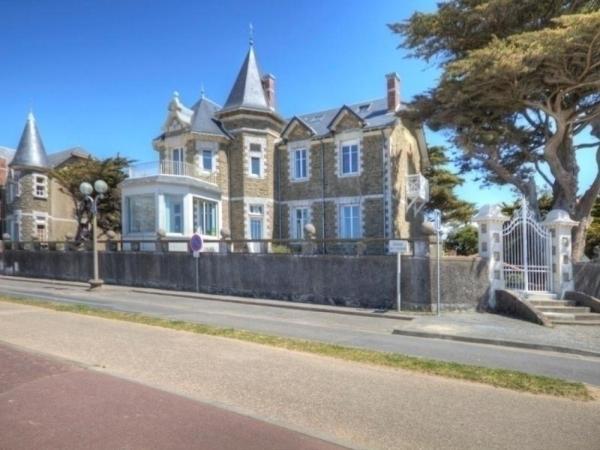 Hotel Pictures: Gite Saint 6, Saint-Michel-Chef-Chef