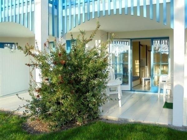 Hotel Pictures: Apartment Vendée 7, Saint-Jean-d'Orbetiers