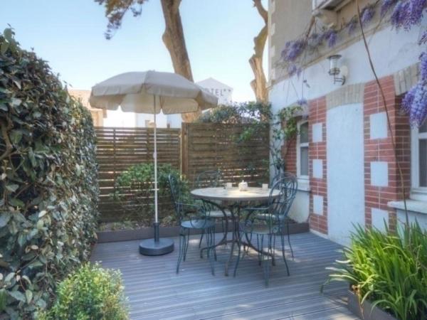 Hotel Pictures: Rental Gite Saint 3, Saint-Michel-Chef-Chef