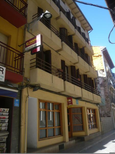Hotel Pictures: Hostal Sayola, Camprodon