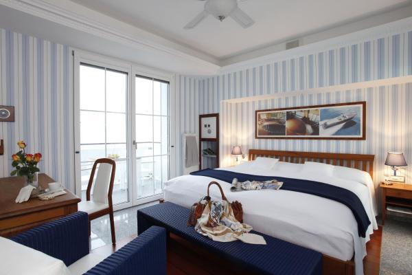 Hotel Pictures: Boutique-Hotel YACHTSPORT RESORT, Brissago