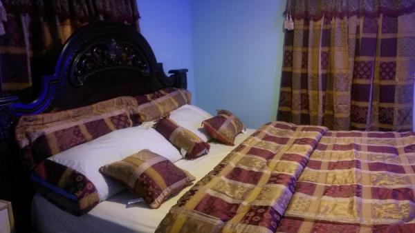 Hotel Pictures: Silver Spring Hotel & Resort, Bamenda