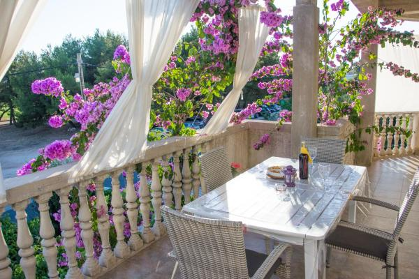 Hotel Pictures: Apartment Klara, Biograd na Moru
