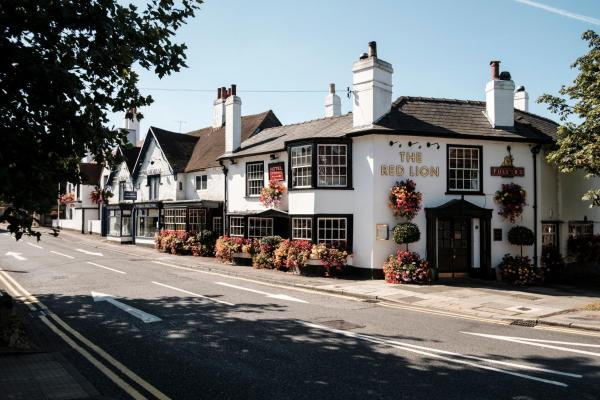 Hotel Pictures: The Red Lion Hotel, Hillingdon