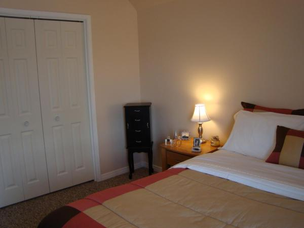 Hotel Pictures: Blind River Apartments, Blind River