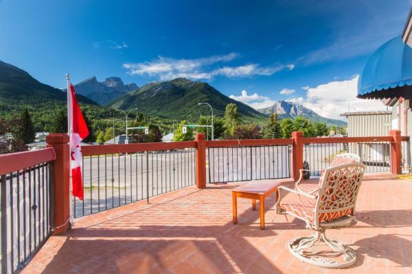 Hotel Pictures: Powder Mountain Lodge, Fernie
