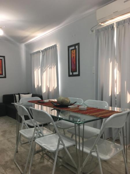 ホテル写真: Apartamento Los Abuelos Calle Peron, Colón