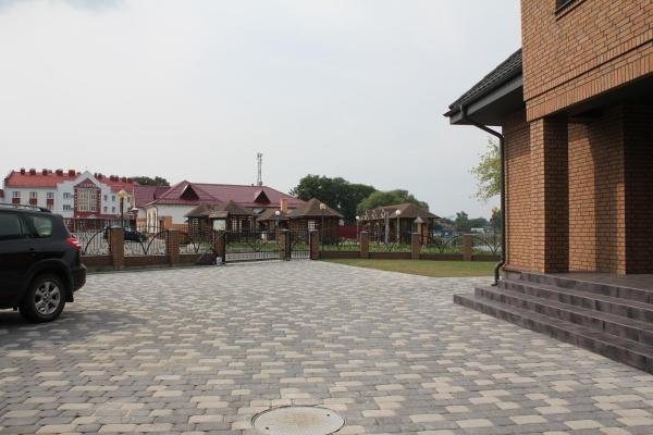 Hotel Pictures: Agrousadba Turovskie legendy, Turov
