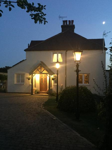 Hotel Pictures: Orange Hill Cottage, Longfield