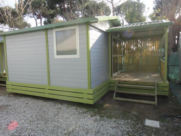 Two-Bedroom Bungalow with Beach Access (4 Adults)