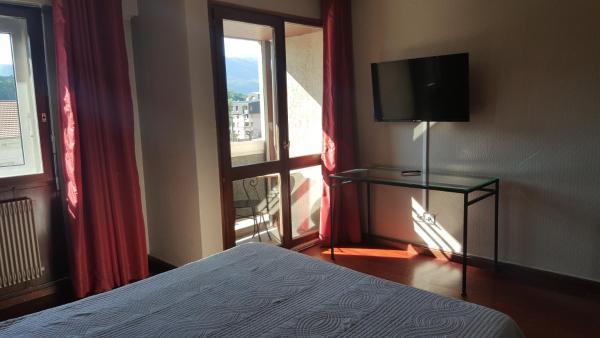 Hotel Pictures: Hotel De La Gare, Aix-les-Bains