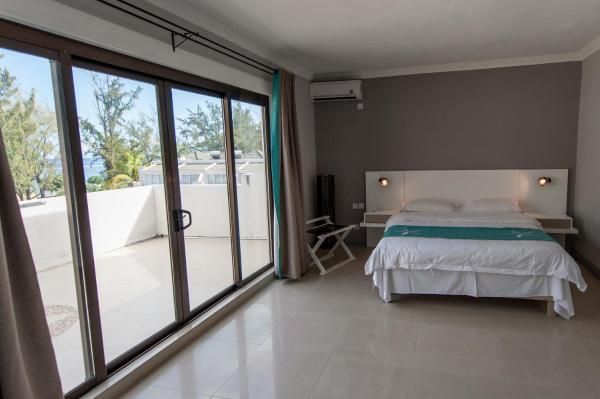 Family Two-Bedroom Apartment (2 Adults + 2 Children)