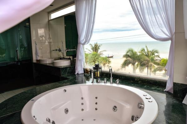 Hotellikuvia: The Beach Palace 2BR Luxury Beachfront Condo Chaam, Cha Am
