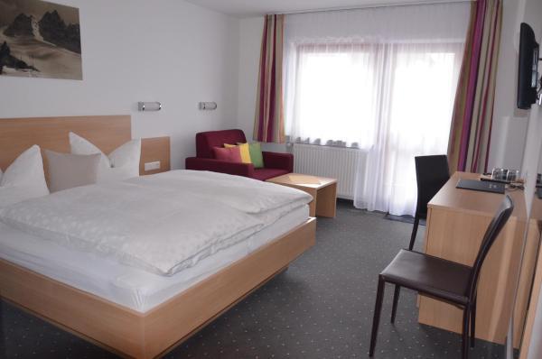 Hotelbilleder: Hotel Garni Sport Sonneck, Galtür