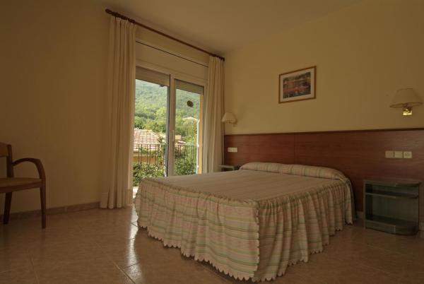 Hotel Pictures: Fonda Finet, Sant Felíu de Pallarols