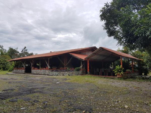Hotel Pictures: Centro Turistico Corral De Piedra, Acacías