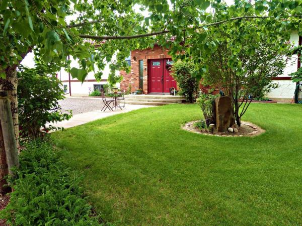Hotel Pictures: Paola Beauty Farm B&B and Day Spa, Dalroy