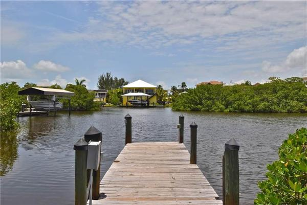 Hotel Pictures: Mystic Dolphin 1, Fort Myers Beach