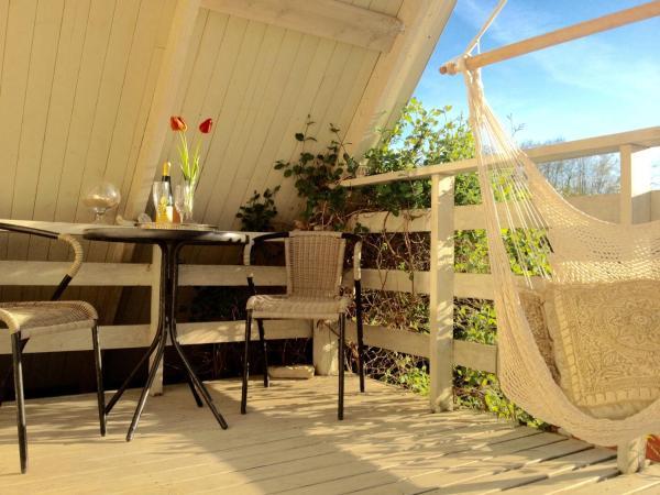 Hotel Pictures: Romantic Attic Holiday House, Nasva