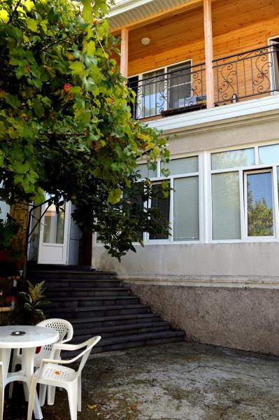 Hotel Pictures: Guest House on Kabardinskaya 107, Gagra