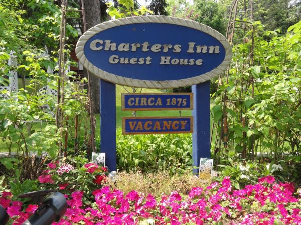 Hotel Pictures: 1875 A Charters Inn, Midland