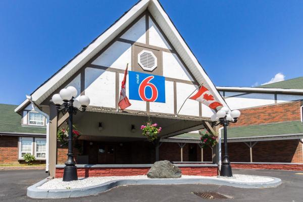 Hotel Pictures: Motel 6 Trenton ON, Trenton